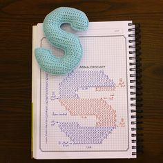 . . Dream, create, achieve, inspire. ✨ . #letters_crochet