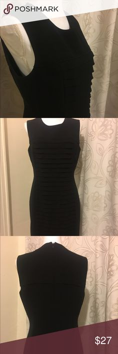 ✨Calvin Klein Dress✨ Very good condition 🌟 Previously Loved and Gently worn ❤️ Fully Lined  Classy style Flattering Fit 🙂 Great for day and night  Dress up everything 🎉 As-is #nofilter Calvin Klein Dresses