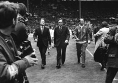 Stokoe and Revie  lead out the teams, FA Cup final 1973