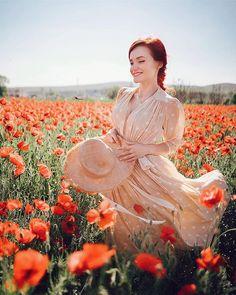 Andreea Balaban (@andreea.balaban) • Fotografii şi clipuri video Instagram Skirt Outfits, Dress Skirt, Lavender Fields, Well Dressed, Divas, Cape, Celebrity Style, Clipuri Video, White Dress