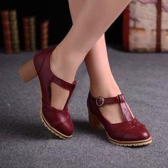 Zapatos-con-tacón-cuadrado-5-300x300