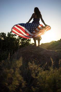 CELEBRATE THE 4TH OF JULY! 18 Patriotic Portraits of American Women on stylishtravelgirl.com