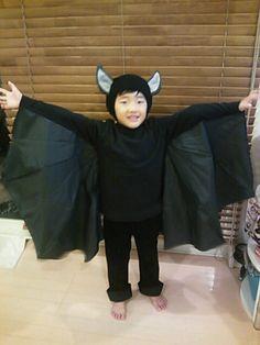 handmade bat costume for Halloween!