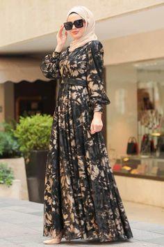 Modest Fashion Hijab, Modern Hijab Fashion, Hijab Fashion Inspiration, Abaya Fashion, Fashion Dresses, Moslem Fashion, Floral Dress Outfits, Mode Abaya, Muslim Women Fashion