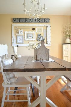 Vintage Farmhouse Dining Room Decor