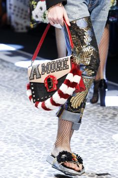 Dolce & Gabbana Fall 2017 Ready-to-Wear Accessories Photos - Vogue