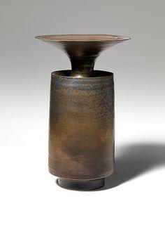 Vase. Colin Pearson. British. Stoneware.