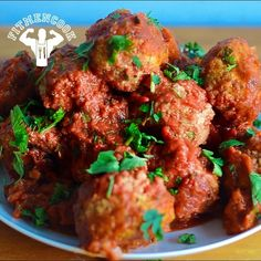 #TBT to a power-packed meatball with lean protein and complex carbs! Cook them in a skillet or on the grill. Your choice! Sharing today because someone at the gym told me they tried it but messed it up because they mixed the marinara in with the raw meat, then tried to form meatballs. Lol #KitchenFails We all have those! Here it is again for others that made the same mistake. Go to FitMenCook.com for the full recipe! Comment below if you've made this recipe. Boom. (traduccion abajo)…
