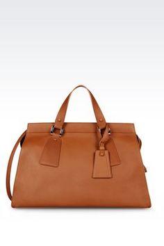 Erhätlich bei armani.com - wenn Sie über www.bestcash4you.de auf die Seite gehen, erhalten Sie zusätzlich 7,2 % Cashback. Wie Sie auch bei weiteren 1600 Shops und Anbietern Cashback erhalten erfahren Sie unter www.bestcash4you.de
