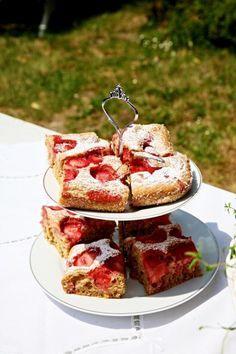 Jahodová bublanina - Testováno na dětech French Toast, Breakfast, Food, Morning Coffee, Essen, Meals, Yemek, Eten