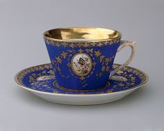 Cup  Maker:Union Porcelain Works (1863–ca. 1922) Date:ca. 1876 Geography:Made in Brooklyn, New York, United States Culture:American Medium:Porcelain Dimensions:H. 2 in. (5.1 cm)on Porcelain Works | Cup | American | The Met