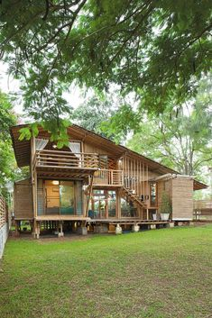A Bamboo House Embraced by Nature House Design Southern House Plans, Cottage House Plans, Craftsman House Plans, New House Plans, Small House Plans, Cottage Homes, Garden Cottage, Bamboo House Design, Tropical House Design