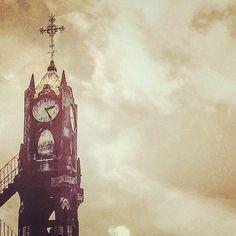 "aceomar80: ""Reloj no marques las horas #reloj #igers #vive_mexico #visualizate #culturamural #mexico_great_shots #espiritu_callejero #jj_mextures #mextures #loves_jalisco #fotoseptiembre #instamexgram #igshotz #oldpic #mexicoalternativo #mextagram #pasionxmexico #mexicourbano #BeginnersMx #streetphotography #liranmx #IG_FALCON_ #orgullotapatio #otmexicana #loves_vscolifestyle #loves_mexico #mexico_maravilloso #vidaengdl"""