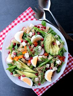 Pasta salad provides endless possibilities for new flavor combinations and ingredients. Here are some of our favorite quick and easy pasta salad recipes. Barbecue Side Dishes, Barbecue Sides, Best Side Dishes, Side Dish Recipes, Best Pasta Salad, Easy Pasta Salad Recipe, Summer Pasta Salad, Summer Salads, Pasta Recipes