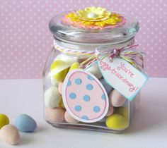 Simple DIY Easter Candy gift jar  {ribbonsandglue.com}