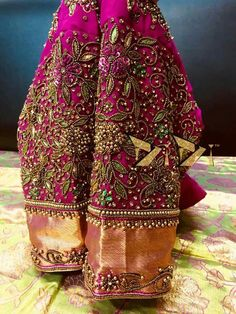 works Wedding Saree Blouse Designs, Saree Blouse Neck Designs, Fancy Blouse Designs, Dress Neck Designs, Zardosi Embroidery, Beaded Embroidery, Hand Embroidery, Maggam Work Designs, Designer Blouse Patterns