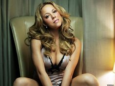 Isn't Mariah Carey gorgeous