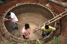 Buiding of a biogas-digester. Chinese dome model, adapted by MIGESADO (Dodoma Biogas Project). Biomass Energy, Gas Energy, Solar Energy, Renewable Energy, Natural Building, Green Building, Biogas Generator, Electrical Projects, Electrical Engineering