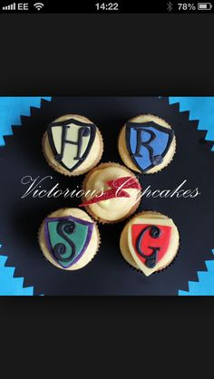 Cupcakes Take The Cake: Harry Potter red glitter lightning cupcake topper, plus book of spells, broomstick and Harry Potter Treats, Harry Potter Cupcakes, Harry Potter Food, Harry Potter Houses, Harry Potter Hogwarts, Take The Cake, Cream And Sugar, Red Glitter, Party Cakes