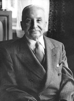 Ludwig von Mises Ethical Philosophy Spanish Scholastics Aristotle Western Civilization Bastiat Human action laissez-faire http://www.divineeconomytheory.com/