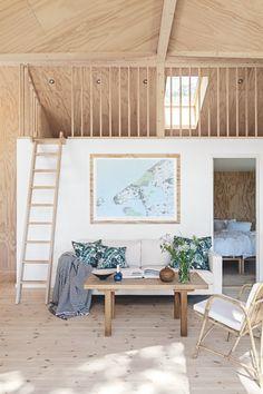 〚 Small and so cozy: modern summer cottage in Denmark 〛 ◾ Photos ◾Ideas◾ Design Minimalist Wedding Decor, Minimalist Home, Retro Home Decor, Easy Home Decor, Rue Verte, Hm Home, Interior Architecture, Interior Design, Fireplace Remodel