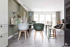HAY stoelen bij Miriam en Werner uit aflevering 4, seizoen 6 | Make-over door: Frans Uyterlinde | Fotografie Barbara Kieboom