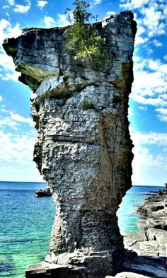 Bruce Peninsula Flower Pot Island Parks Canada, O Canada, Canada Travel, Oh The Places You'll Go, Places To Travel, Places To Visit, Tobermory Ontario, Stone Columns, Great Lakes