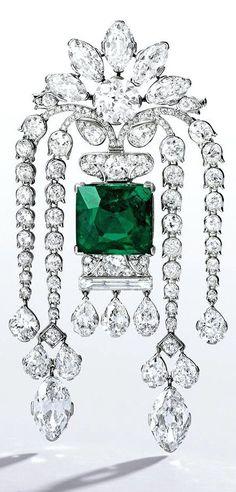 Art Deco Emerald and Diamond Brooch circa 1920