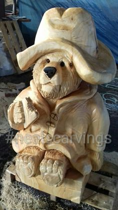 Chainsaw carved paddington bear #nealscarvings #carvedpaddingtonbear #paddingtonbear