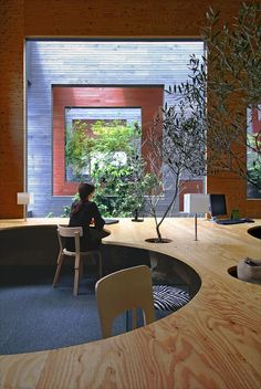 Architects: UID Architects Location: Fukuyama-city, Hiroshima, Japan Design Team: Keisuke Maeda Area: sqm Cost: € Photographs: Hiroshi Ueda, Courtesy of UID Architect Commercial Design, Commercial Interiors, Office Interior Design, Office Interiors, Design Offices, Boutique Deco, Minimalist Office, Bureau Design, Japan Design