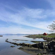 Along the North Sea Route The journey along the sea. On two wheels or four. It does no matter  @frk_idso / Nordsjøvegen  __________________________ Rennesøy / Norway  __________________________ #experience #explore #opplev #oppdag #ut #utpåtur #rennesoy #rennesøy #nordbøkrysset #rogaland #nordsjovegen #nordsjøvegen #thenorthsearoute #regionstavanger #norges_fotografer #fjordnorway #fjordnorge #loves_norway #essence_of_norway #norgefoto #visitscandinavia #visitnorway #mittvestland #mittnorge…