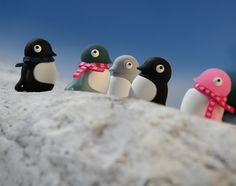 The adorable Penguin Drive design is available in six colours. Pop its head back to reveal the USB drive beneath and keep it safely attached to your keys or a lanyard by attaching a strap to the hole in its tail.