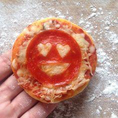 Cute Emoji Pizza - Fun party food idea for an Emoji Birthday.