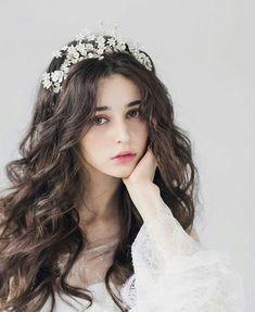 Hot Ukrainian girl speaks in Chinese because she looks so beautiful . Princess Aesthetic, Aesthetic Girl, Chica Cool, Beautiful Girl Image, Beautiful Beautiful, Girls Image, Girl Face, Ulzzang Girl, Stylish Girl