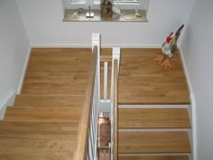Translated version of test. Wooden Stairs, House Stairs, Cozy Room, Pedestal, Interior Design, Interior Ideas, Entrance, Concrete, House Plans