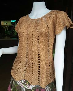Best 11 Blusas tejidas a crocheted – Page 537054324313608671 Crochet Cardigan Pattern, Crochet Tunic, Crochet Clothes, Crochet Lace, Lace Tunic, Lidia Crochet Tricot, Crochet Patterns Free Women, Knitting Patterns, Crochet Summer Tops
