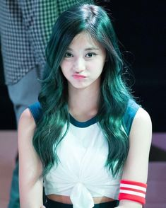 What is the best hair color for tzuyu?vote now 😆 twice (트와이스 Korean Beauty, Asian Beauty, Tzuyu Body, Estilo Cool, Tzuyu Twice, Cool Hair Color, Green Hair, Beautiful Asian Girls, Kpop Girls