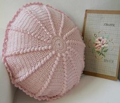 Crochet and knitting Love Crochet, Crochet Motif, Beautiful Crochet, Crochet Stitches, Knit Crochet, Crochet Patterns, Crochet Hats, Crochet Pillows, Crochet Cushion Cover