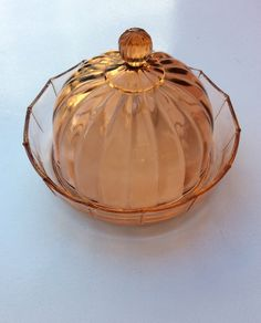 juustovati ja -kupu 1930 luvulta . lasia . halkaisija 19cm . korkeus 14cm . #koopernu