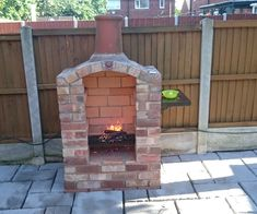 Reclaimed Brick Arched BBQ : 7 Steps (with Pictures) - Instructables Outdoor Fireplace Brick, Outdoor Fireplace Designs, Backyard Fireplace, Brick Patios, Brick Built Bbq, Brick Bbq, Built In Bbq, Brick Laying, Gardens
