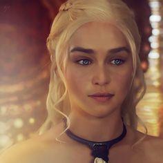 Daenerys Targaryen Hot | Daenerys Targaryen ( Emilia Clarke ) by tsxworld