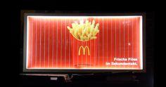 Le panneau d'affichage qui transforme des pommes de terre en frites