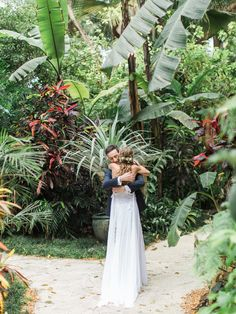 "This ""first look"" at the perfect destination wedding is seriously goals 