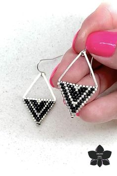 Tutorial for Beaded Triangle Necklace and Earrings Jewelry Set with Ladder Stitch DIY Pattern