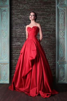 Rami Kadi Red Dresses Evening Wear Pleated A Line Strapless Neck Draped Evening Gowns Floor Length Satin Formal Dress Evening Dresses, Prom Dresses, Formal Dresses, Wedding Dresses, Gown Wedding, Style Couture, Couture Fashion, Party Gowns, Party Dress