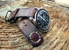 Omega Speedmaster Pro On Vintage Leather #Omega #Speedmaster #Watches #Menswear #NASA #Moon #Moonwatch #Chronograph - omegaforums.net
