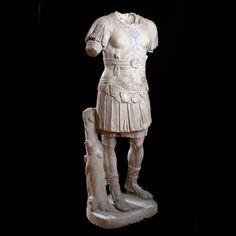 Statua di Loricato in marmo pentelico inizi II d.C. Sorgente Group