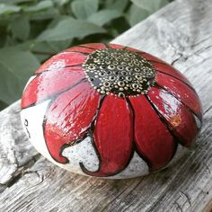 #rachelrox #paintedstones #paintedrocks #rachelsrocks #art #flowers #fallcolours