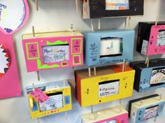 "Colonial ""TVs""- could be a retro project for any history lesson because we made these back when I was in school, but it might NEW to my students! Have each classroom do one for the cafeteria 6th Grade Social Studies, Social Studies Classroom, Teaching Social Studies, History Projects, School Projects, Teaching Us History, Classroom Inspiration, Classroom Ideas, Study History"