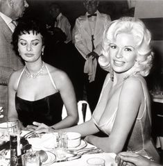 Sophia Loren raconte l'histoire de sa photo culte avec Jayne Mansfield | Vanity Fair